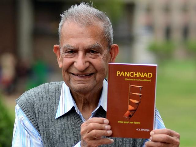 Author of 'Panchnad' CL Dhamija at Punjab University on Thursday.