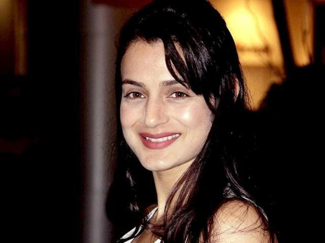 Amisha Patel allegedly took advance payment for visiting a school in Varanasi but didn't turn up.