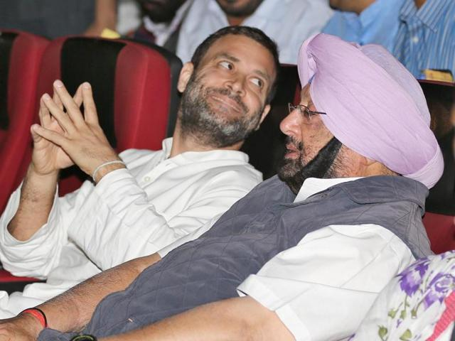 AICC vice-president Rahul Gandhi and Punjab Congress chief Capt Amarinder Singh at the screening of a documentary 'Burning Punjab' in Amritsar on Friday(Sameer Sehgal/HT)