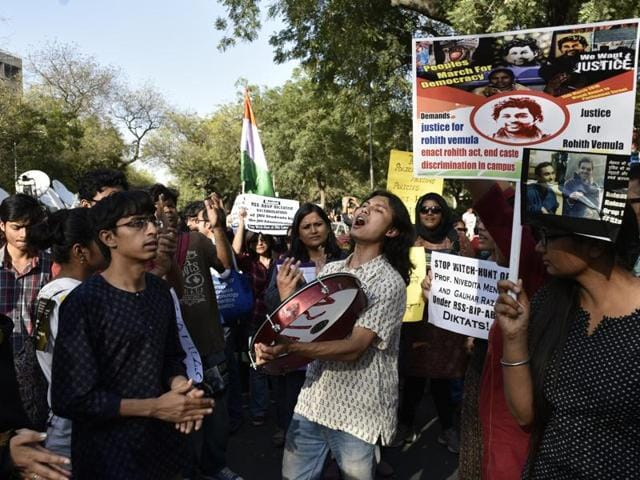 JNUSU supporters carring a posters and shouting slogans demanding relaese of Umar Khalid and Anirban Bhattacharya, during a march from Mandi House to Parliament today to demand the release of Umar Khalid and Anirban Bhattacharya in New Delhi , India, on Tuesday, March 15, 2016.
