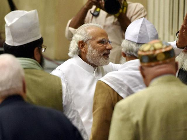 Prime Minister Narendra Modi meets with delegates at the opening ceremony of World Sufi Forum at Vigyan Bhawan in New Delhi.