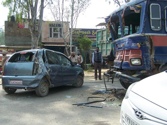 Two other vehicles behind the bus also got badly damaged in the mishap but no causality was reported.