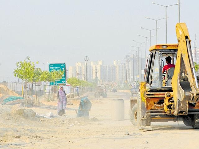 Around 10,000 residents, who shifted to housing complexes in Greater Noida west, an upcoming realty hub, have been complaining about high pollution levels.