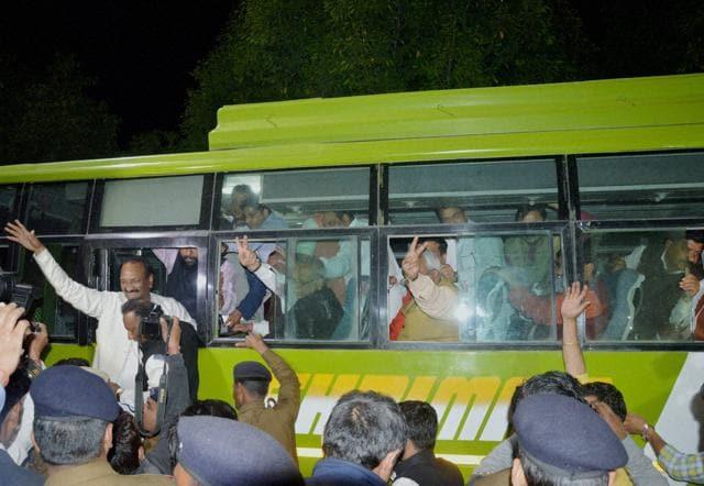 Rebel Congress MLAs and BJP leaders after meeting Uttarakhand governor KK Paul in Dehradun on Friday.