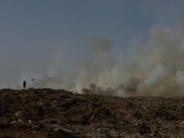 deonar fire,dumping ground,BMC