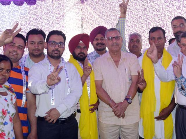 The Aam Aadmi Party (AAP) Ludhiana zone coordinator col CM Lakhanpal informed that more than one lakh families were apprised about the policies and programmes of the party under the 'Pariwar Jodo Abhiyan'.