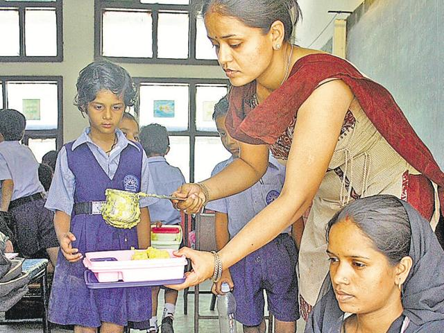 During the meeting with education department officials, UT adviser Parimal Rai laid emphasis on hygiene and nutritional content of midday meals being served to children.