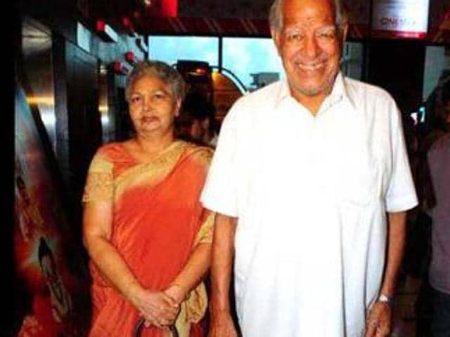 Late Surjit Kaur with her husband  late wrestler-turned-actor Dara Singh.