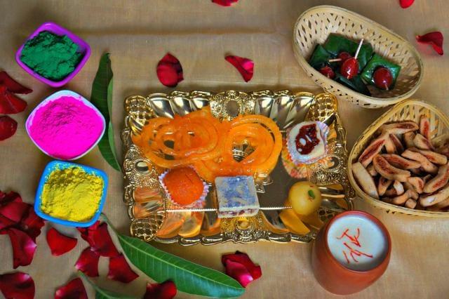 A radiant Holi platter