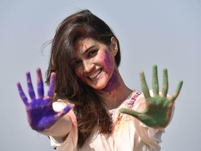Holi,Bollywood Holi,Kriti Sanon