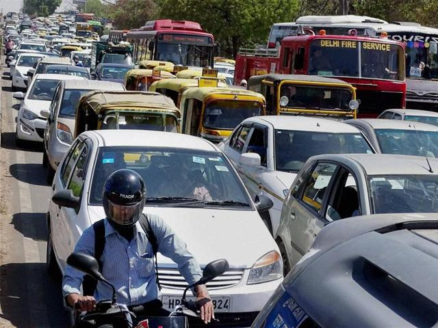 Traffic snarls in and around ITO and Ring Road stretch near Sarai Kale Khan started in the morning peak hour.