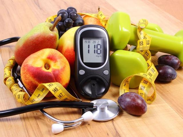 A low-calorie diet removes the fat  accumulated in the pancreas of diabetics and thus leads to the normal production of insulin.