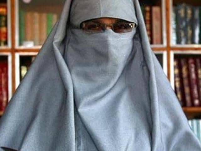 DeM, led by Asiya Andrabi, has been hoisting Pakistani flags annually on the occasion of Pakistan Day as well as on Pakistan's Independence Day (August 14).