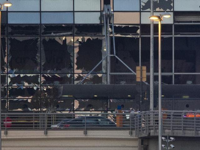 Brussels airport bomb,Controlled explosion,Belgium terror attacks
