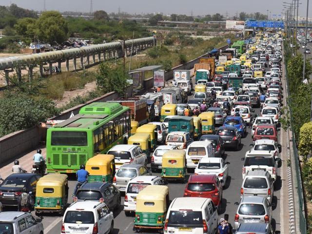 Delhi traffic,Delhi,Bhairon Marg cave in