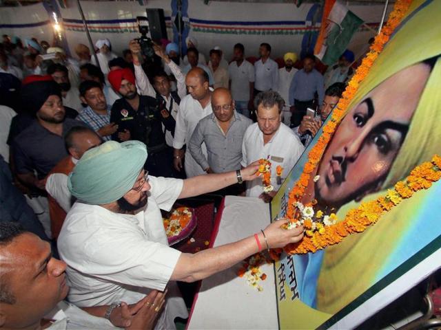 Punjab Congress chief Capt Amarinder Singh during a programme organised to pay homage to Bhagat Singh at his village, Khatkar Kalan.
