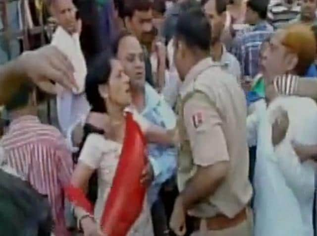 The devotees had an argument with the policemen over some issue, Dausa superintendent of police Yogesh Yadav said, adding that the matter is being probed.