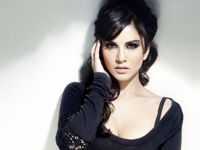 Sunny Leone was performing in Surat, Gujarat on Holi. (HTPhoto)