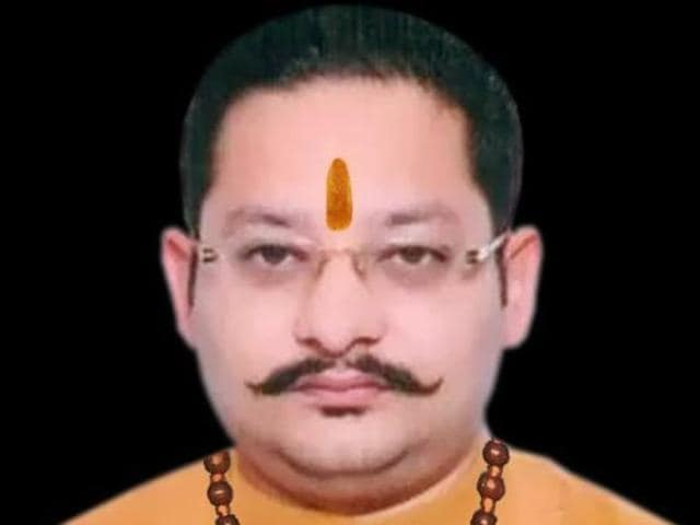 Abhishek Batta, the national president of Hindu Shiv Sena,  was crushed to death in a road accident outside a petrol pump in Mahalo village on Nawanshahr-Chandigarh highway in the wee hours of Friday.