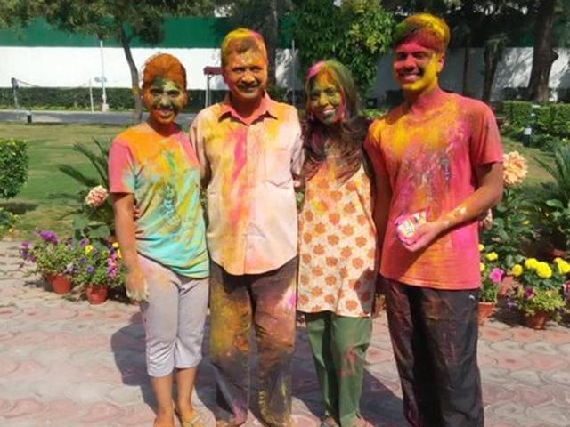 Kejriwal celebrating Holi.