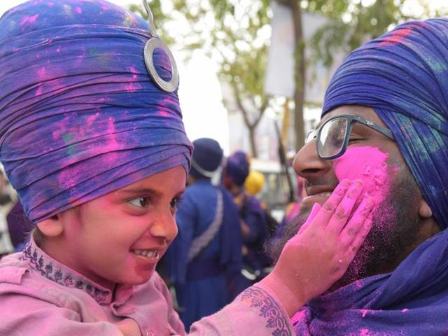 Lakhs of devotees visited Anandpur Sahib and Kiratpur Sahib during the six-day Hola Mohalla festival to pay their obiesance at various gurdwaras including Takht Sri Kesgarh Sahib.