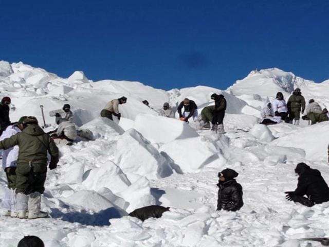 File photo of operations by the special teams of the army and the Air Force  in Siachen. A soldier who was injured after an avalanche hit an Indian Army patrol party in Jammu and Kashmir's Ladakh region died on Friday.