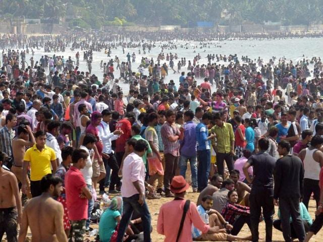 An extreme water crisis in Maharashtra had prompted people to play a waterless Holi festival in Thane on Thursday.