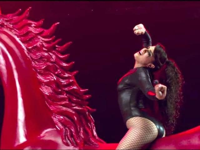 The movie has Richa Chaddha in the lead and she seems to be playing a super glamorous cabaret dancer in fishnet stocking, leather bodices, strappy and tight corsets, and a bedsheet.