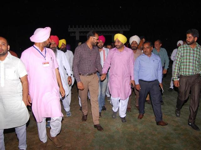 AAP leader Bhagwant Mann on his way to the fundraiser at a resort in Sangrur on Thursday night.