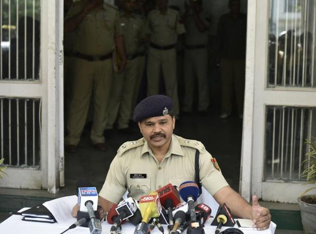 Delhi police arrested 5 people after the 40-year-old dentist was allegedly beaten to death by a group. Police cautioned against rumours spread on Twitter that the murder was a communal killing.
