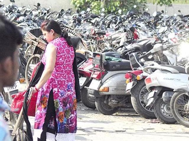 Chandigarh,Police,Wrong parking