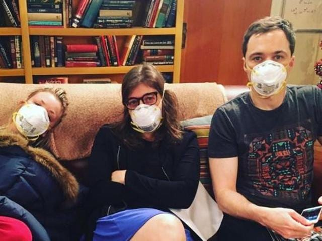 Kaley Cuoco posted a photo on Instagram of herself, Mayin Bialik and Jim Parsons sporting surgical masks on set.