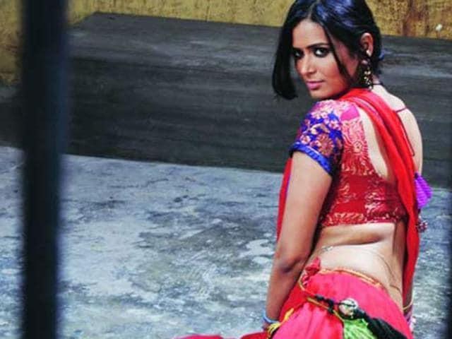 Meenakshi Dixit,Bollywood,P Se PM Tak