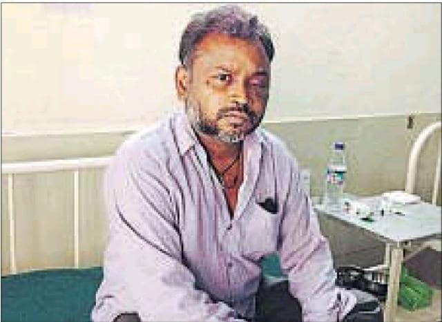 Inderjeet, who used to drive an auto, is now unemployed.