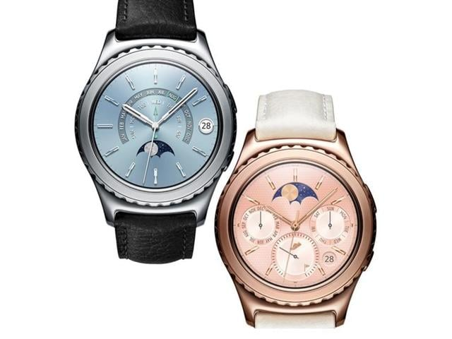 The wearables will be available across all Samsung retail channels at a price of Rs.24,300 for the Gear S2 white and Rs.34,900 for the Gear S2 Classic gold and platinum variants