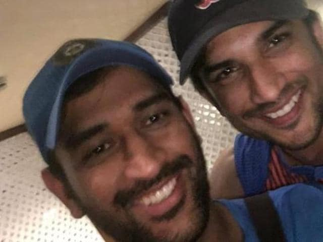 The two Dhonis celebrate India's win against Pakistan. (Twitter)