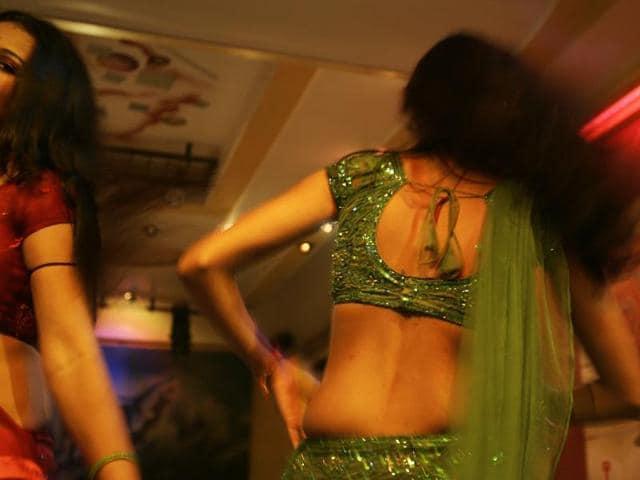 Bar girls at a dance bar in Dadar
