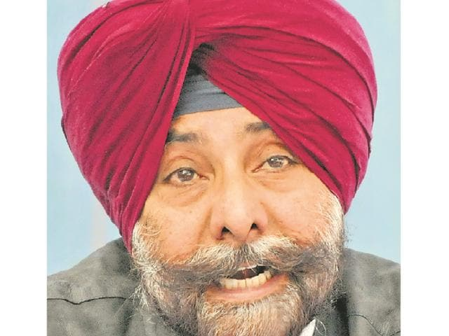 """Even as loyalists of Punjab Congress president Captain Amarinder Singh are demanding expulsion of Jagmeet Brar, another senior leader, Bir Devinder Singh, has joined the issue, if not hands with Brar, to claim the party's support base is eroding in Punjab owing to Amarinder's """"style of functioning."""""""