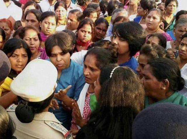 stories women demanding right worship indias temples