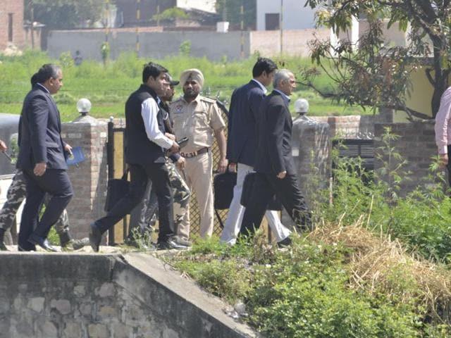Pakistan probe team,Pathankot,airbase