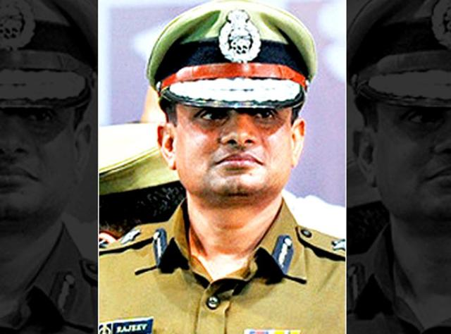 Kolkata Police commissioner Rajeev Kumar might be removed for allegedly favouring the Trinamool Congress.