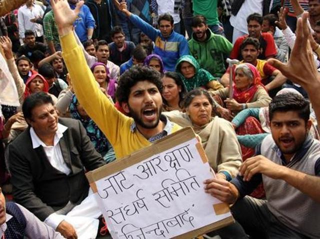 The state government on Thursday will pass an order to de-notify the existing notifications of 2013 providing 10% reservation to Jats and five other castes under special backward classes (SBC).