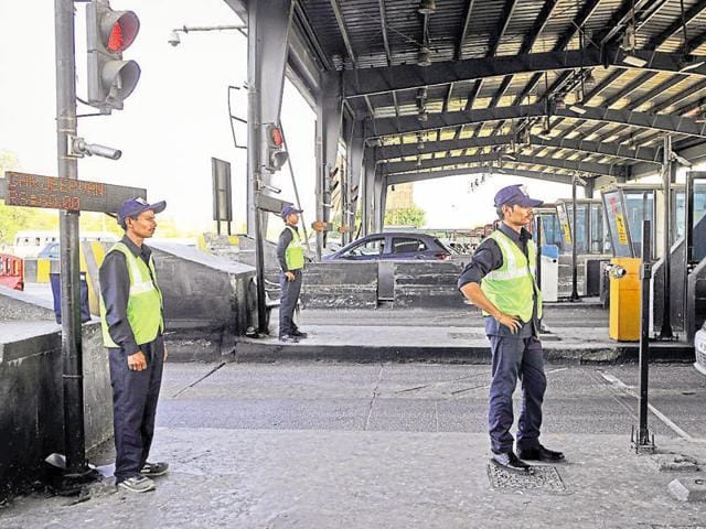 The e-way concessionaire gave new uniforms to employees of the Kherki Daula toll plaza on Wednesday.