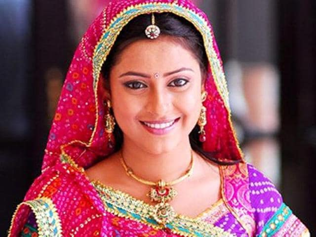 TV actor Pratyusha Banerjee committed suicide on Friday. We look back at other famous faces who committed suicide while their career was going places. (Twitter)