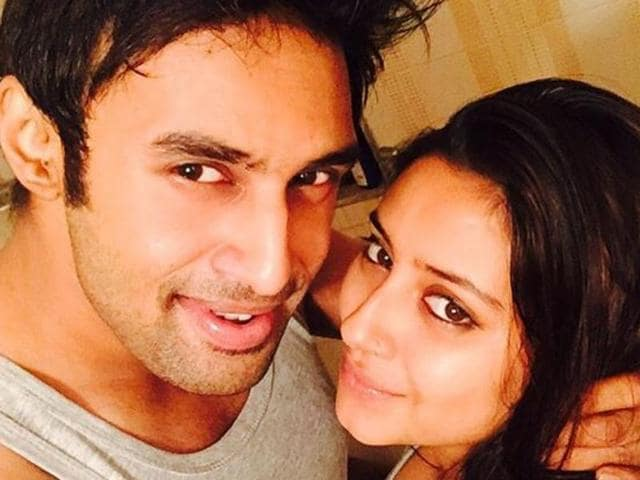 Television actor Pratyusha Banerjee was tol tie the knot with actor-producer Rahul Raaj soon. The two were part of a reality show and had announced their wedding plans.(Instagram)