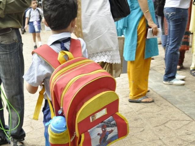 In their surprise checks on March 21, education officials weighed the bags of 4,569 students from 212 schools and found that 1,394 were carrying bags that weighed more than 10% of their body weight – the limit set by the state government.