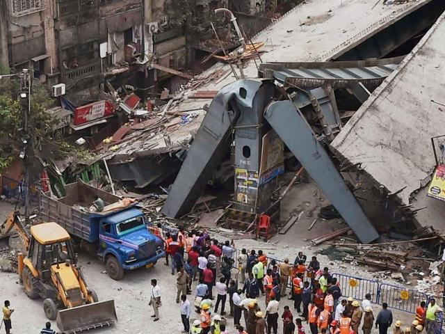 A flyover under construction collapsed on Vivekananda Road in Kolkata on Friday. The military and National Disaster Response Force were called in to assist the  Kolkata Police Disaster group and other city authorities to find survivors.