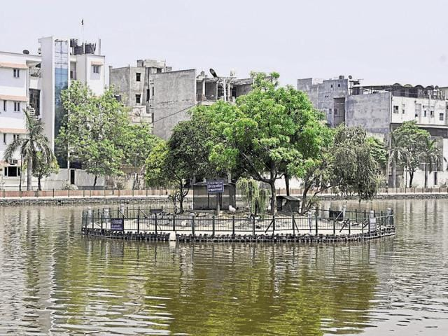 The Delhi government will soon launch a much-awaited revamp of Naini Lake in Model Town in North Delhi.(Vipin Kumar/HT Photo)