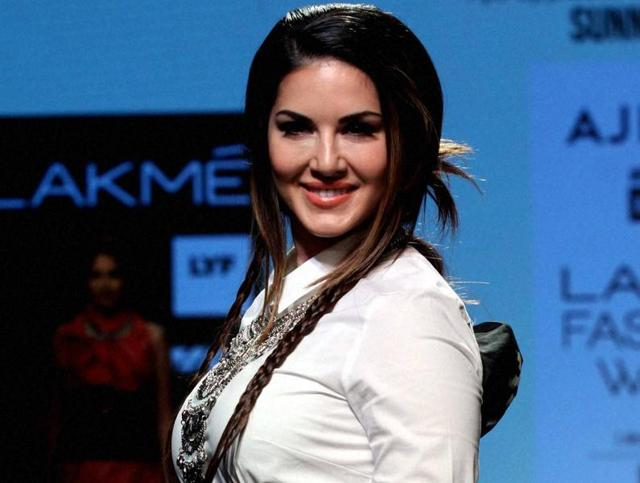 Sunny Leone got her dream fulfilled of working with Shah Rukh Khan in Raees.