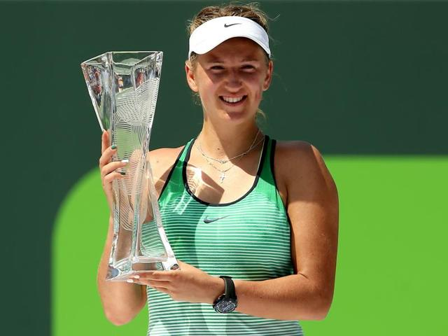 Victoria Azarenka beat Svetlana Kuznetsova to become only the third woman to win Indian Wells and the Miami Open back-to-back, after Steffi Graf and Kim Clijsters.